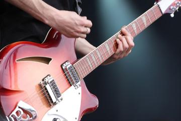 guitariste guitare concert rock instrument musique corde manche