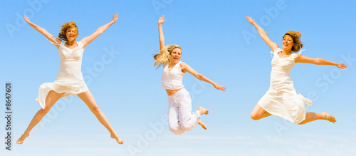 """white angels flying - of """"Groups of people"""" serie"""