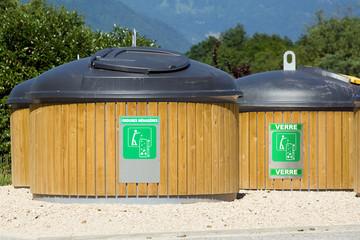 Collecte des déchets : poubelles de tri sélectif