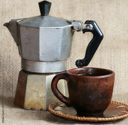 Caf tasse cafeti re italie italienne stock photo and royalty free images on pic - Cafetiere italienne 1 tasse ...