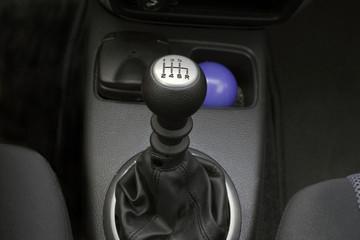 pomello e leva del cambio auto