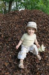enfant sourire automne