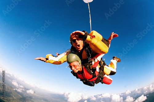 Aluminium Luchtsport Tandem skydiver in action parachuting