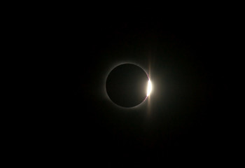 solar eclipse, diamond ring