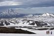 Камчатка: группа туристов смотрит на вулкан Вилючинская сопка со склона...