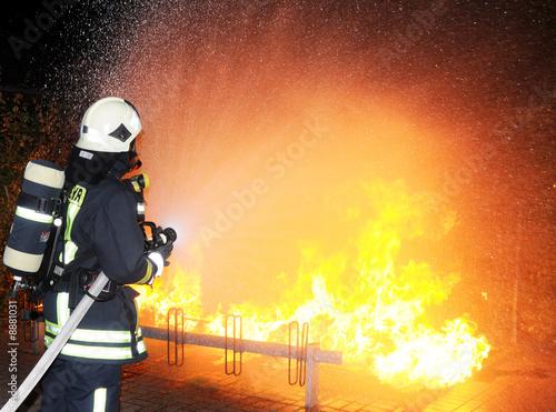Leinwanddruck Bild Feuerwehr im Einsatz