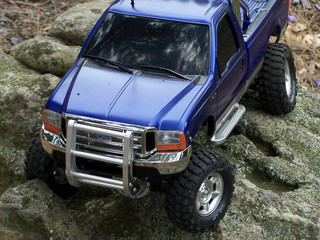 RC 4x4 on rocks