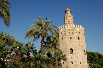 la tour de l'or  de séville, au bord du Guadalquivir