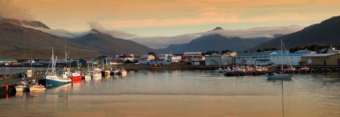 Puerto pesquero en Islandia