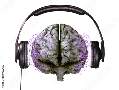 headphones on brain - 9022426