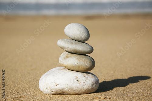 Papiers peints Zen pierres a sable pietre in equilibrio
