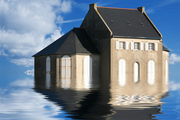 casa nell'acqua