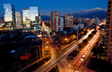 Fototapety Busy traffic in Santiago, Chile with the Andes in the background