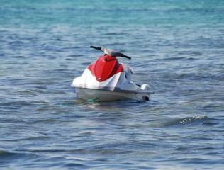 jet ski dans la mer