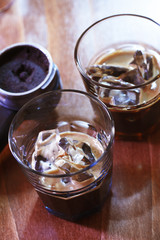 Espresso auf Eis im Shotglas