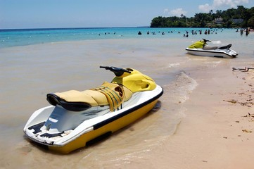 Rental Jetskis on Dunn's Rivewr Falls Beach