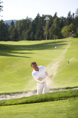 Österreich, Mann in Sand Golfplatz