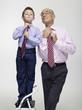 Großvater Opa und Enkel, Krawatte binden