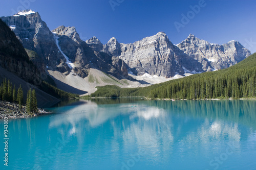 Lake Moraine in Banff National Park © Stephen Meese