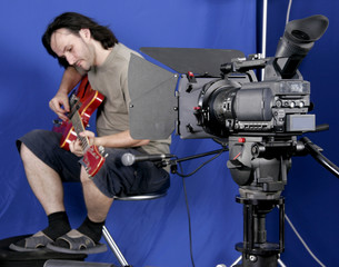 camcorder shoot the guitarman