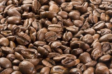 chicchi di caffé sparsi