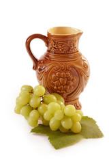 Weinkrug mit Früchten