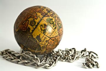 Mundo con cadenas