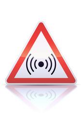 Panneau de danger champ électromagnétique (reflet métal)