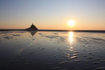 coucher du soleil dans la baie