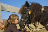 Fototapety fillette et son poney