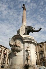 Le Liotru ou fontaine de l'éléphant à Catane