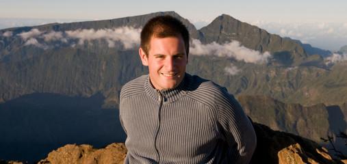 Homme souriant à la Réunion