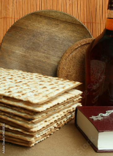 matzoh and bottle with red wines