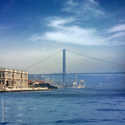 Papiers peints Turkey Bosphorus Bridge and Ortakoy Mosque in Istanbul Turkey