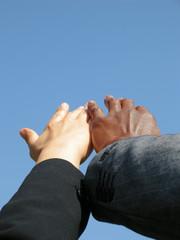 Hände finden zusammen