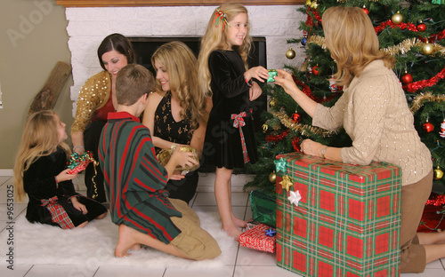 family sharing gifts