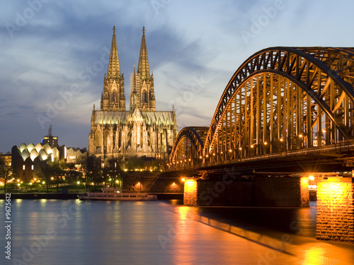 Cologne by Night 01