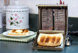 Leinwandbild Motiv Vintage Toaster with Toast