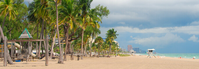 Wide anoramic view of Fort Lauderdale Beach, Florida
