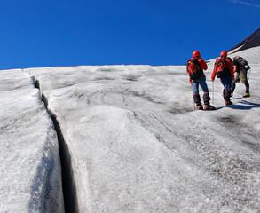 climbers restin near creves