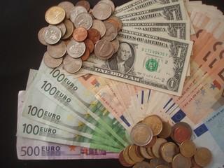 EURO > DOLLAR
