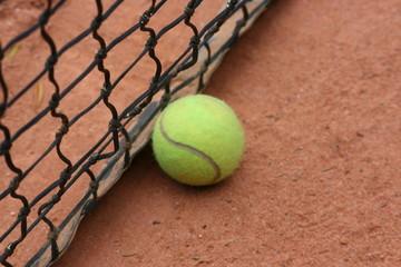 Bola tennis