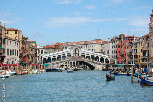 Tuinposter Kanaal Bridge Rialto. Grandee the channel in Venice. Italy