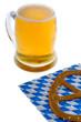 Oktoberfest mit Bier und Brezel