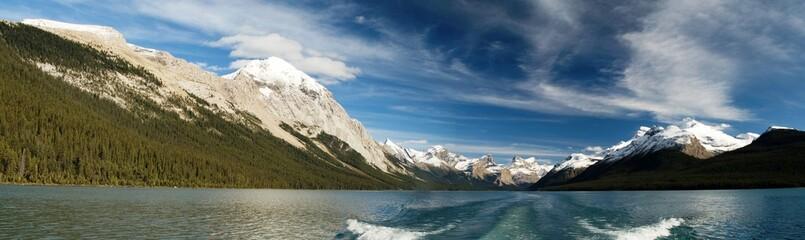 Panoramic vista of Maligne Lake in Jasper NP, Alberta, Canada