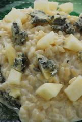 Risotto gorgonzola e pere - Primi - Ricette della Lombardia
