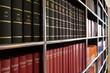 Leinwandbild Motiv Bücherregal mit Fachliteratur