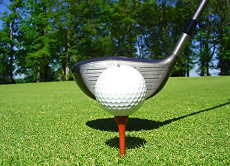 départ sur le tee de golf
