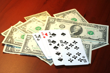 playing combination in poker and money for rate on table