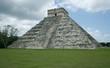 pyramide maya de chichen itza au mexique
